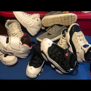 4 pair of Jordan's and one pair of Nike Roche'